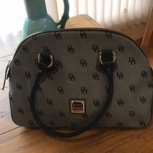 Dooney and Bourke logo satchel